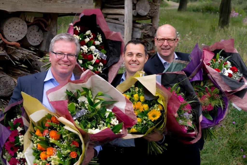 Van links naar rechts: Erik Snels (directeur Loket.nl), Pascal van Zandvoort (Sister Sophy) en Ruud van Leeuwen (directeur Van Spaendonck Services)